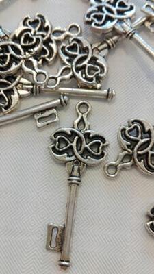 Bedel sleutel met hartje